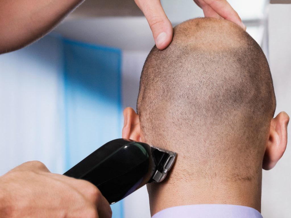 tunnhårig raka av håret